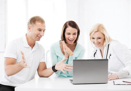 Gynecologist with Ob Gyn EMR